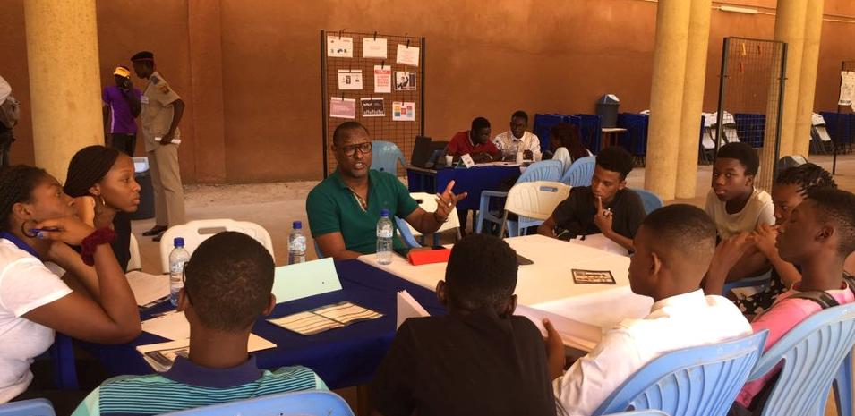 Forum des métiers et des formations au lycée français Saint Exupéry